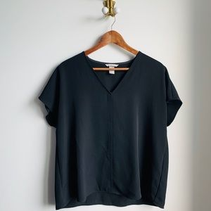 H&M black flowy shirt